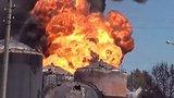 видео 6 мин. 7 сек. Порошенко, Яценюк и Шевченко проигнорировали пожар на нефтебазе раздел: Новости, политика добавлено: 15 июня 2015