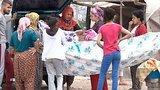 видео 13 мин. 21 сек. Опасный Измир: сирийских беженцев боится даже полиция раздел: Новости, политика добавлено: 15 июня 2015