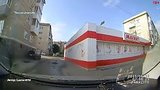 видео 10 мин. 32 сек. Car Crash Compilation 35 Подборка Аварий 2015 раздел: Аварии, катастрофы, драки добавлено: 23 июня 2015