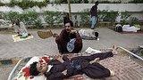 видео 1 мин. 1 сек. Пакистан: число жертв аномальной жары растет раздел: Новости, политика добавлено: 23 июня 2015