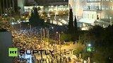 видео 46 мин. 57 сек. В Афинах проходит митинг в поддержку требований европейских кредиторов раздел: Новости, политика добавлено: 1 июля 2015
