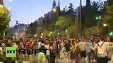 видео 23 мин. 15 сек. В Афинах проходит марш против выполнения требований кредиторов раздел: Новости, политика добавлено: 3 июля 2015