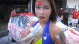 видео 1 мин. 30 сек. Полуголые девушки моют машины. 18+ раздел: Новости, политика добавлено: 17 июля 2017