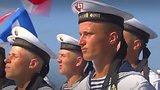 видео 1 мин. 3 сек. Первый парад ко дню ВМФ России в Сирии раздел: Новости, политика добавлено: 31 июля 2017