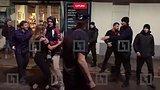 видео 43 сек. Массовая драка на Болотной площади 18+ раздел: Новости, политика добавлено: 15 октября 2017