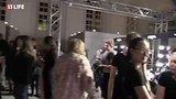 видео 88 мин. 51 сек. Диана Шурыгина на Mercedes-Benz Fashion Week Russia 2017 раздел: Новости, политика добавлено: 23 октября 2017
