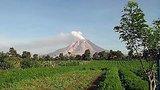 видео 28 сек. Доброе утро: В мире. Индонезия - проснулся вулкан (03.07.2015) раздел: Новости, политика добавлено: 8 июля 2015