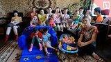 видео  Усыновили 14 детей-инвалидов раздел: Новости, политика добавлено: 10 июля 2018