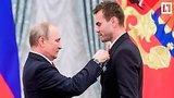 видео 3 мин. 24 сек. Путин наградил Сборную России по футболу раздел: Новости, политика добавлено: 29 июля 2018