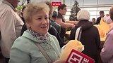 видео 1 мин. 16 сек. Гигантская тыква Дуся раздел: Новости, политика добавлено: 21 октября 2018
