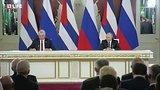 видео 12 мин. 33 сек. Путин и лидер Кубы на переговорах в Москве раздел: Новости, политика добавлено: 2 ноября 2018
