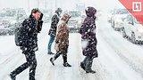 видео 188 мин. 58 сек. Cильный снегопад засыпает Москву раздел: Новости, политика добавлено: 26 января 2019