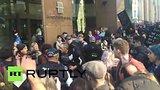 видео 35 сек. Австралийские националисты устроили очередную акцию протеста в Сиднее раздел: Новости, политика добавлено: 19 июля 2015