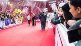 видео  Ковровая дорожка премии МУЗ-ТВ 2019 раздел: Новости, политика добавлено: 7 июня 2019