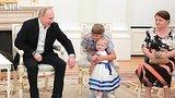 видео 1 мин. 23 сек. Путин встретился с семьями, пострадавшими от паводка в Приангарье раздел: Новости, политика добавлено: 25 июля 2019