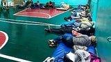 видео 2 мин. 28 сек. Эвакуированные жители Ачинска спали на стульях и на полу раздел: Новости, политика добавлено: 7 августа 2019