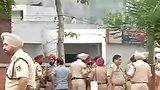видео 21 сек. В Индии террористы напали на полицейский участок раздел: Новости, политика добавлено: 27 июля 2015