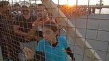 видео 1 мин. 15 сек. На греческом острове Кос мигранты - четверть населения раздел: Новости, политика добавлено: 14 августа 2015