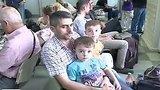 видео 2 мин. 39 сек. Самолет МЧС доставил из Сирии в Москву 59 граждан России и стран СНГ раздел: Новости, политика добавлено: 19 августа 2015