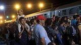 видео 1 мин. 44 сек. Миграционный кризис рассорил европейские страны раздел: Новости, политика добавлено: 20 сентября 2015